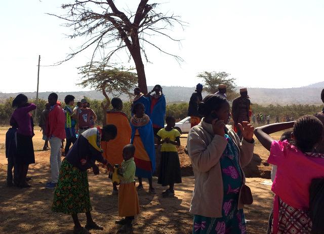 Besucher_Kamelrennen_Kenia